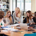 Le Bon Cours - Cursos en grupo - Academia de refuerzo escolar - Castelldelfels